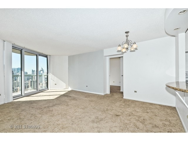 111 W Maple St #APT 3104, Chicago, IL