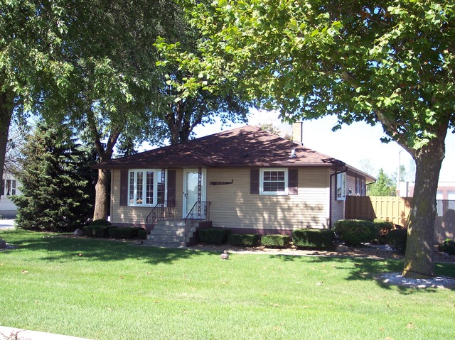 3152 Glenwood Lansing Rd, Chicago Heights, IL