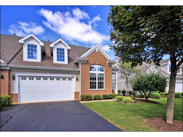 304 Quarry Ridge Cir, Sugar Grove, IL