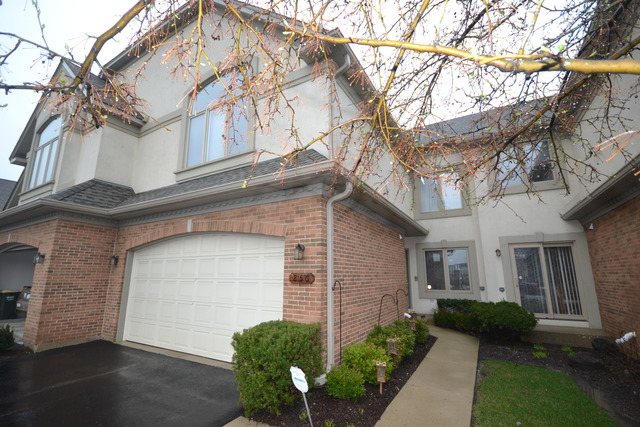 856 N Maple Ave, Palatine, IL