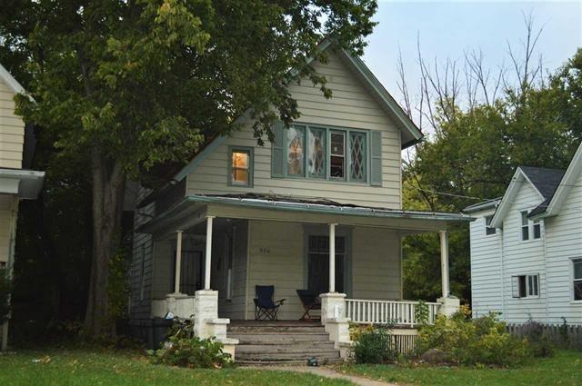 926 Grant Ave, Rockford, IL