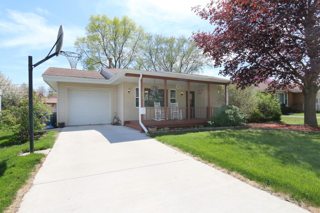 607 Wallace Ave, Morris, IL
