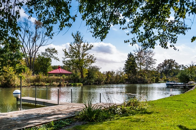 17 N Channel Dr, Round Lake, IL