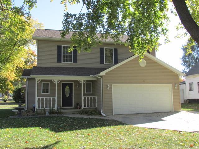 301 S Birch St, Wenona, IL