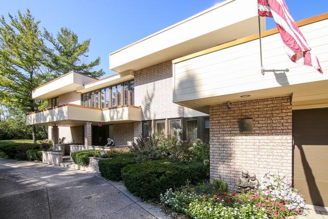 2175 Churchill Ln, Highland Park, IL
