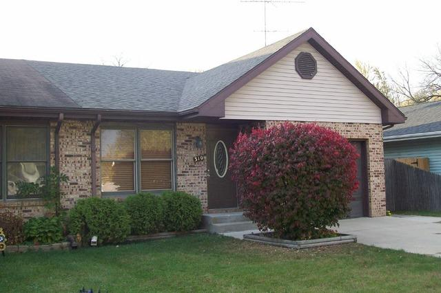 310 N Walker St, Braidwood, IL