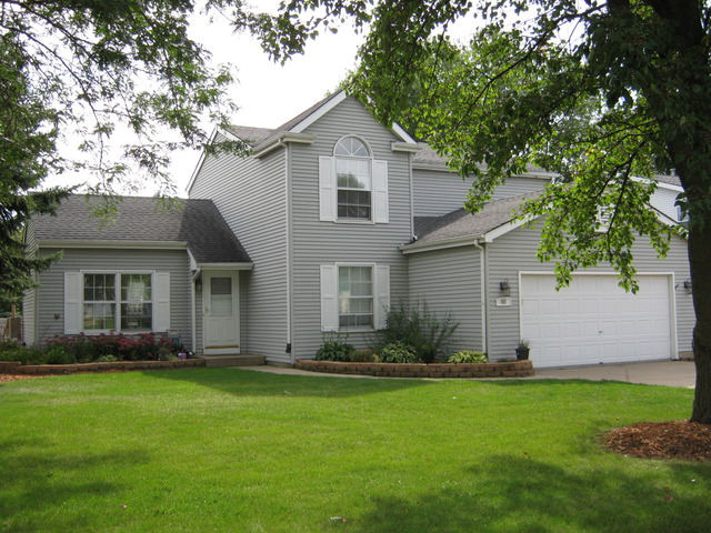 402 S Driftwood Trl, Mchenry, IL