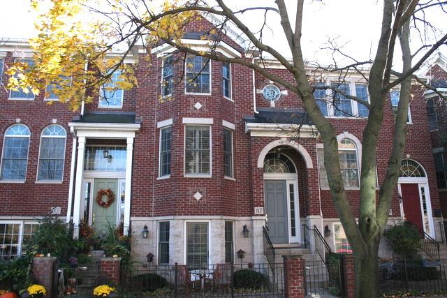 1107 Gilbert Ave, Downers Grove, IL