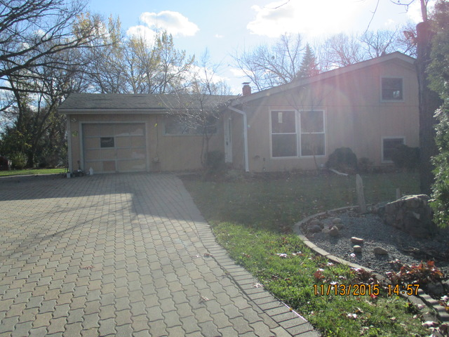 495 Maple Ave, Carpentersville, IL