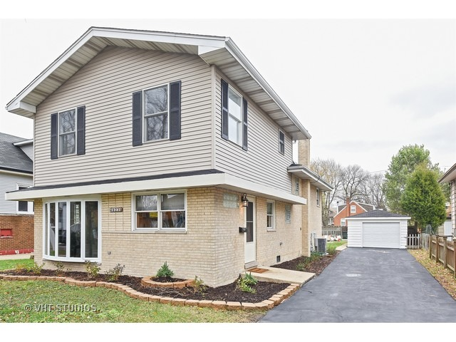 4023 Forest Ave, Brookfield, IL