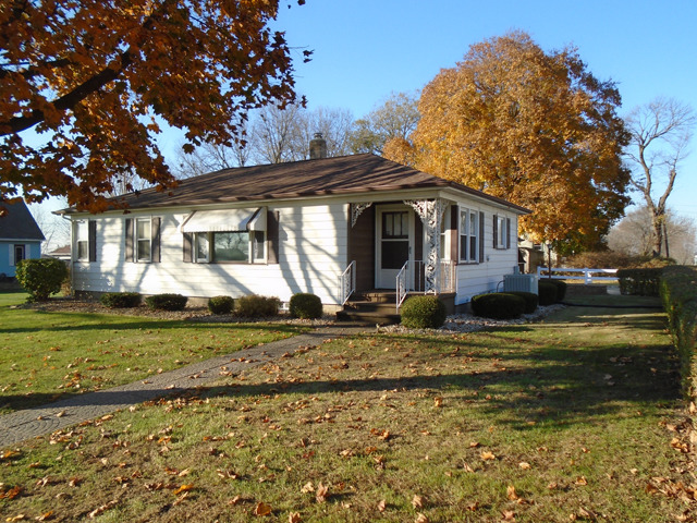 408 W 3rd St, Lostant, IL