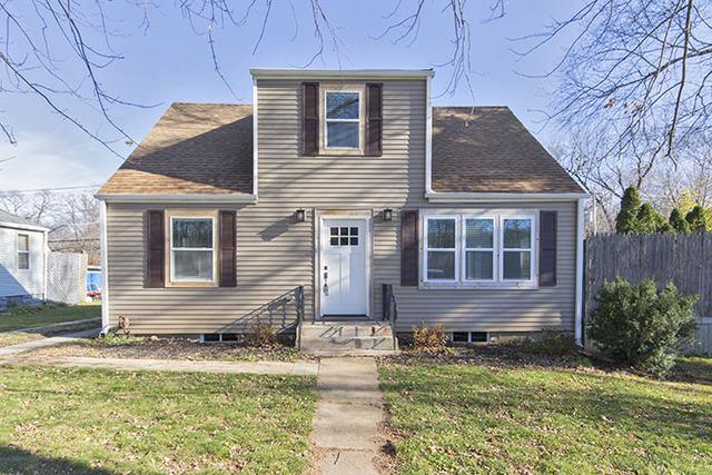 318 Glenwood Ave, Mchenry, IL