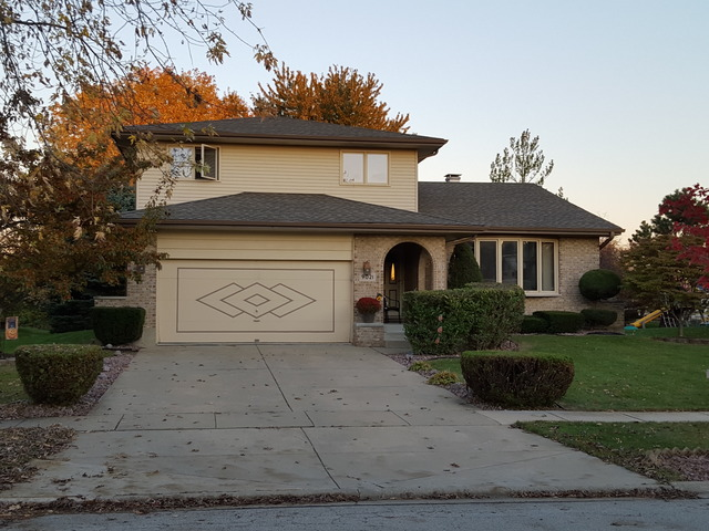 9021 Hampstead Ct, Woodridge, IL