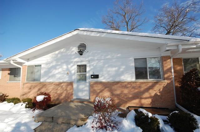 1396 Wing St #APT 3, Elgin, IL