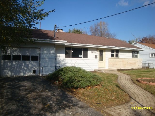 16392 W Arlington Dr, Libertyville, IL