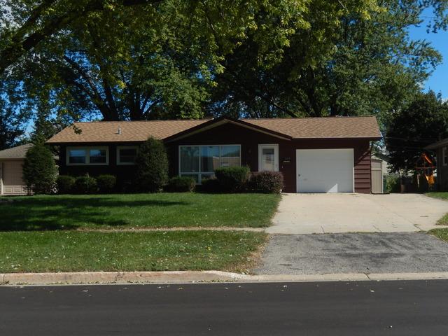 597 Nash Rd, Crystal Lake, IL
