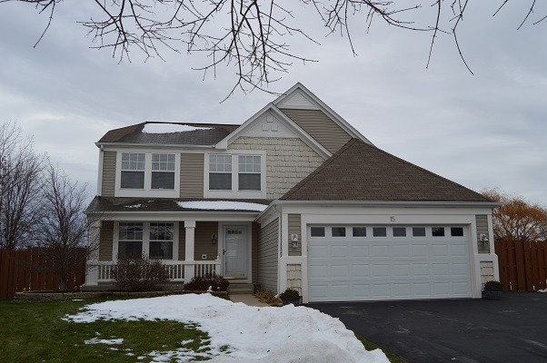15 Raxburg Ct, Lake In The Hills, IL