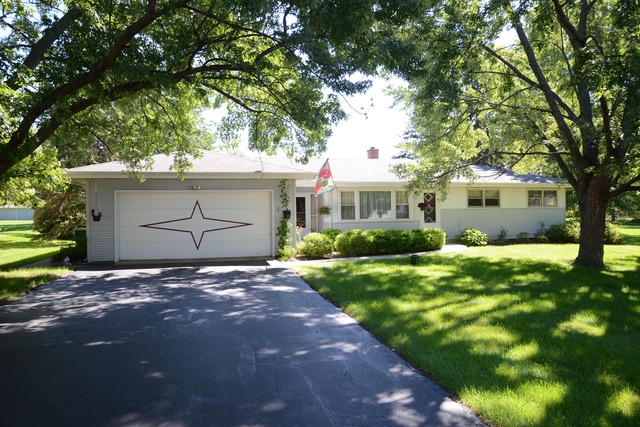 515 Forest View Ave, Elk Grove Village, IL