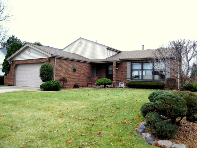 438 Caren Dr, Buffalo Grove, IL