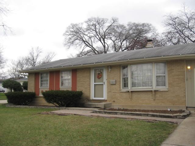1408 W Wise Rd, Schaumburg, IL