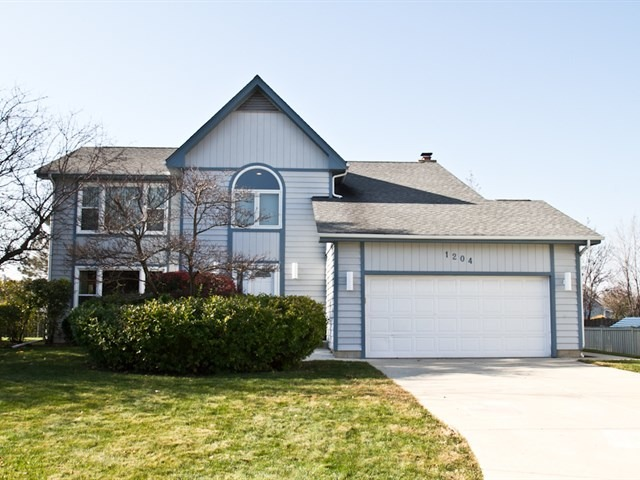 1204 Westchester Ct, Buffalo Grove, IL