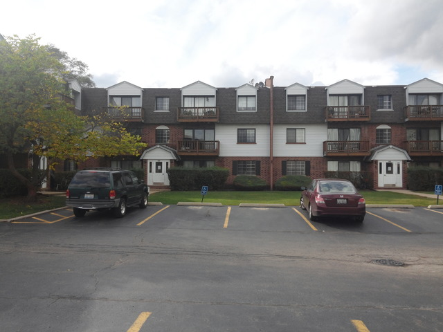 4204 Central Rd #APT 2a, Glenview, IL