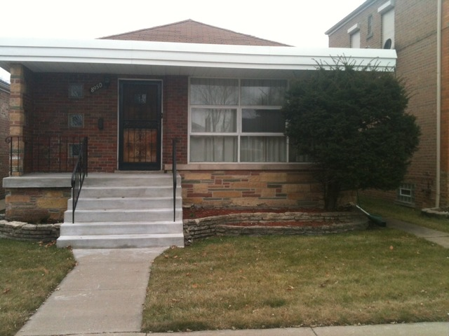 8950 S East End Ave, Chicago, IL
