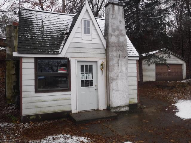 147 E Grand Ave, Fox Lake, IL