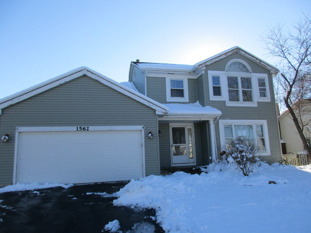 1562 Candlewood Dr, Crystal Lake, IL