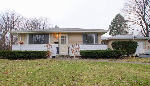 3207 Bellwood Ln, Glenview, IL