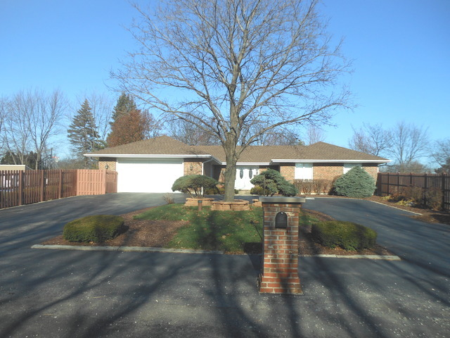 25 W220 Lawrence Ave, Roselle, IL
