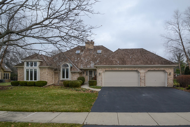 220 Persimmon Dr, Saint Charles, IL