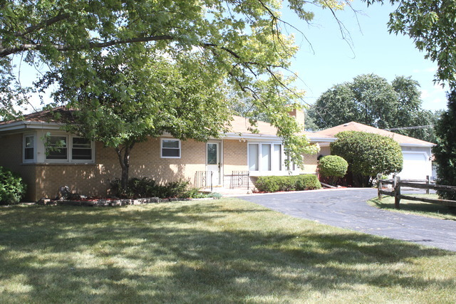 700 Valley View Dr, Schaumburg, IL
