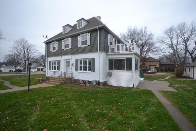 100 Grove Ave, Hampshire, IL