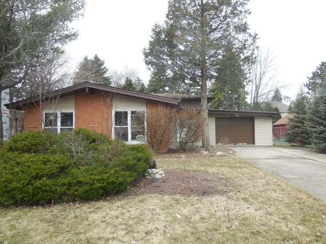 1684 Highland Ave, Northbrook, IL