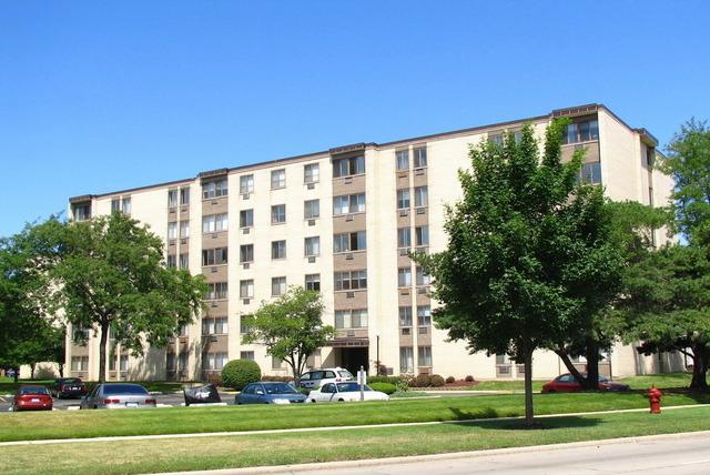 9740 S Pulaski Rd #APT 601, Oak Lawn, IL