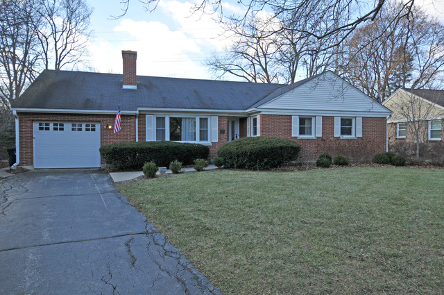 274 Ahwahnee Ln, Lake Forest, IL