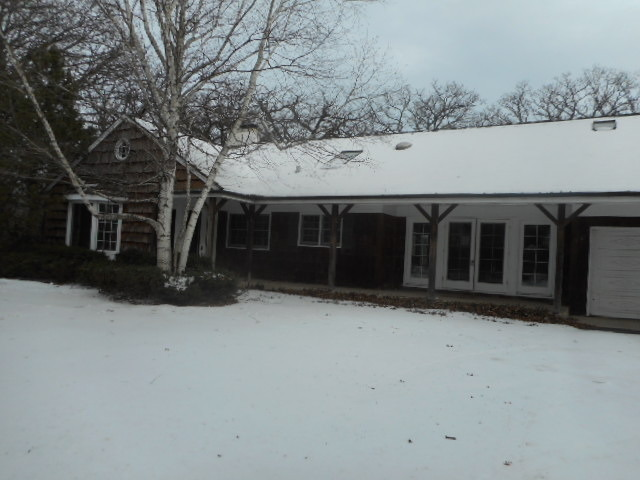 145 S Ridge Rd, Lake Forest, IL