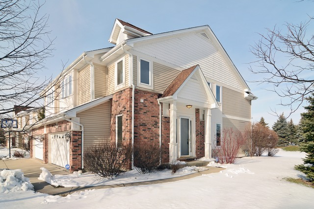 350 Parkview Ter, Buffalo Grove, IL