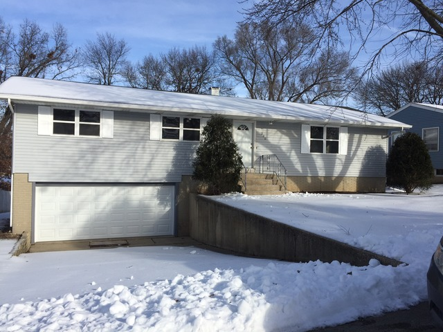220 Highland Ave, Hampshire, IL