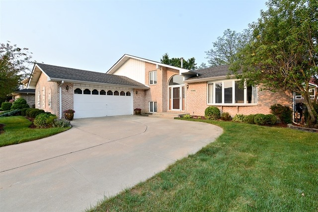 17340 Valley Forge Dr, Tinley Park, IL