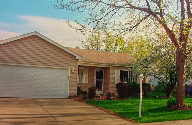 309 Exmoor Dr, Streamwood, IL