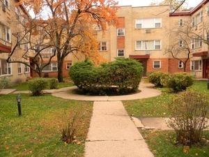 1323 W Sherwin Ave #APT 1a, Chicago, IL