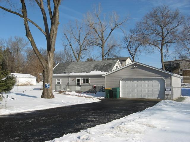 35 S Lake Ave, Fox Lake, IL