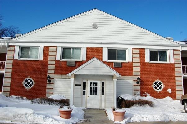 1719 Grove St #APT 7, Glenview, IL