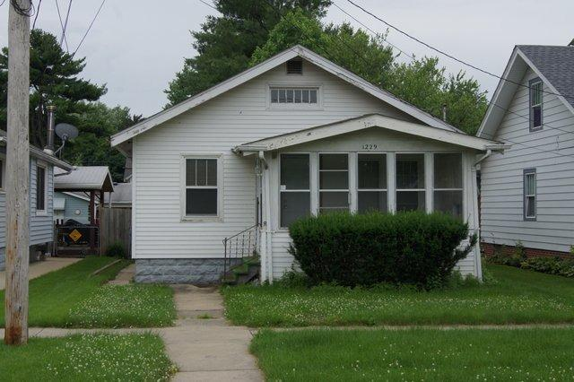 1229 Greenwood Ave, Rockford, IL