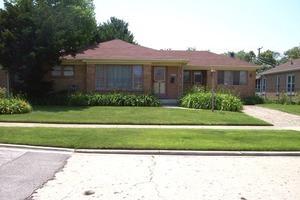 5049 Conrad St, Skokie, IL