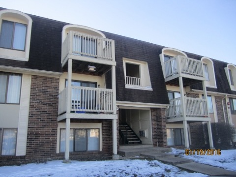 429 Gregory Ave #APT 3d, Glendale Heights, IL