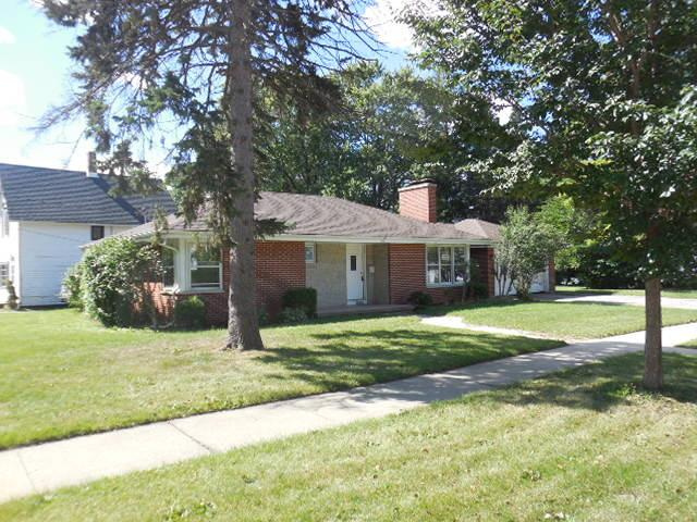 555 Orange St, Elgin IL 60123