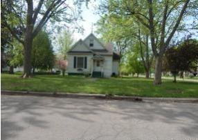 446 W State St, Paxton, IL